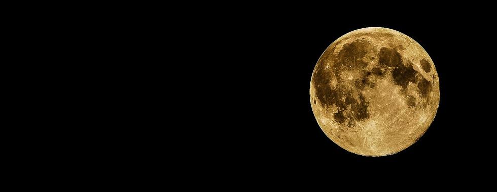 full-moon-415501_1920