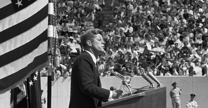 president-kennedy-gives-space-race-speech-P
