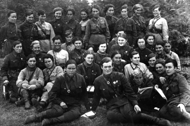 night-witches-group-1942