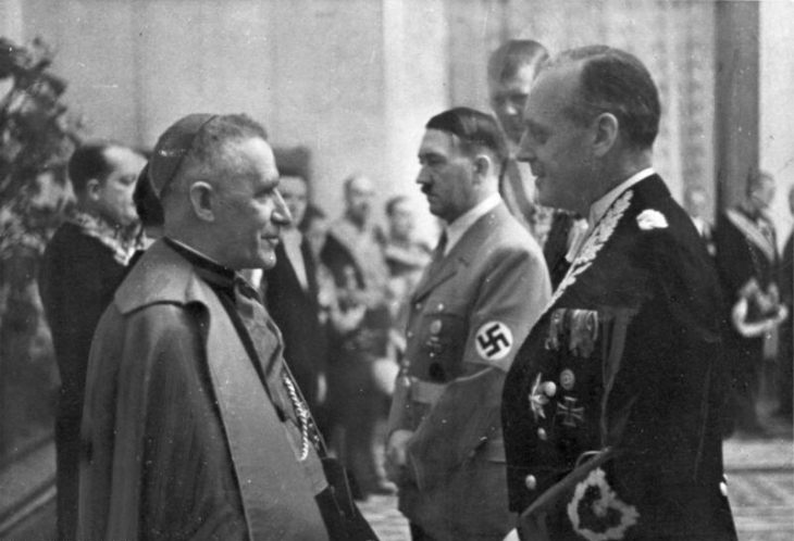 Bundesarchiv_Bild_183-H26878,_Berlin,_Neujahrsempfang_in_der_neuen_Reichskanzlei